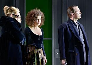Photo: Theater an der Wien: La mère coupable Oper in drei Akten von Darius Milhaud . Premiere am 8.5.2015. Mireille Delunsch, Andrew Owens, Angelika Kirchschlager, Stephane Loges. Copyright: Barbara Zeininger