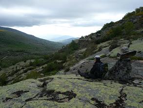 Photo: Una vista hacia el valle del Tormes junto a un hito