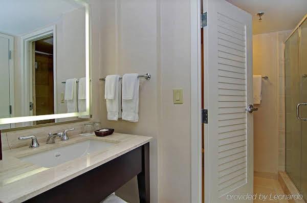 Hilton Orlando Buena Vista Palace Disney Springs™ Area