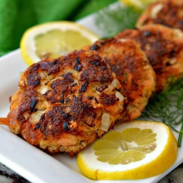 Salmon Patties With Dill Mayonnaise Recipe