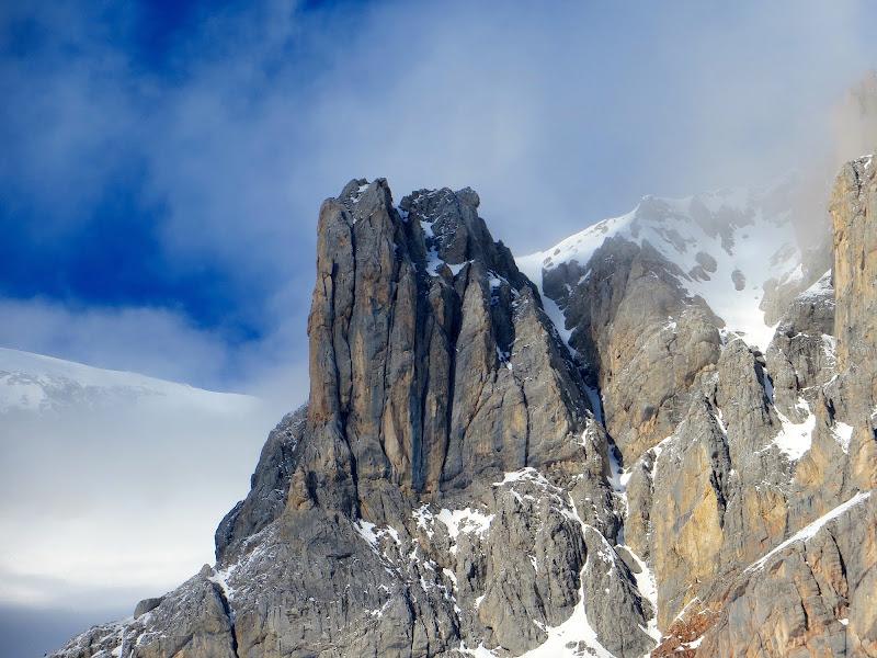 tra cielo pietra e nuvole di mariellaturlon