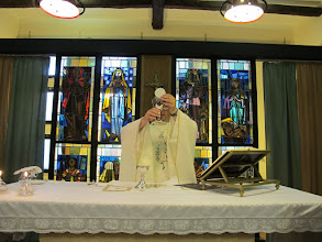 Photo: It.s2C21-141009San Giovani Rotondo, chapelle, célébrant  IMG_5873