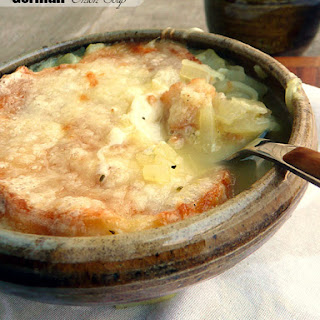 German Onion Soup {Zwiebelsuppe}