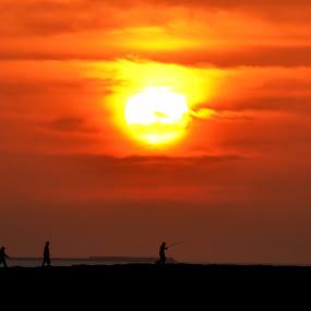 Sunset in Jumeirah Beach by Roland Viado - Landscapes Sunsets & Sunrises ( dubai, sunset, jumeirah, beach,  )