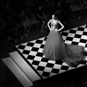 Pricezzz by Al Mansur - Instagram & Mobile Instagram ( fashion, instaphoto, gown, instamood, instafashion, fashionshow, instadayli, nodel, stage )