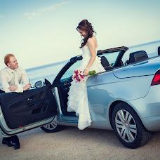 Wedding photographer Elena Kiryanova (VIDALLE). Photo of 14.03.2014