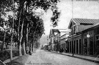 Photo: Postal reproduzindo a Rua do Imperador em meados do século XIX.