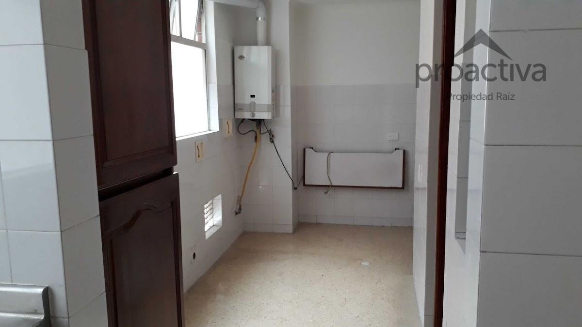 apartamento en arriendo poblado 497-7101