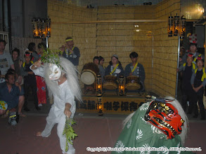 Photo: 【平成16年(2004) 宵宮】 囃子連本部前の桟敷舞台での演舞。