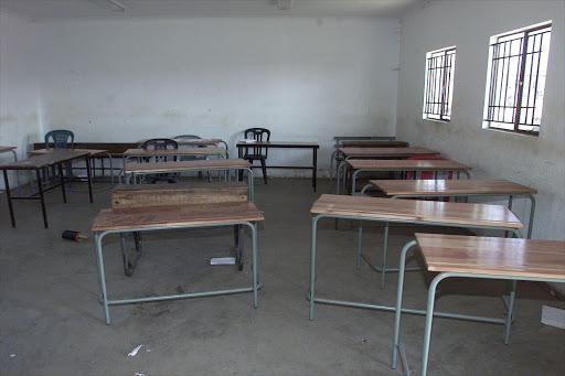 English exam cheats jailed in Hong Kong