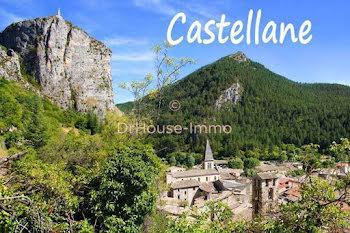 terrain à Castellane (04)