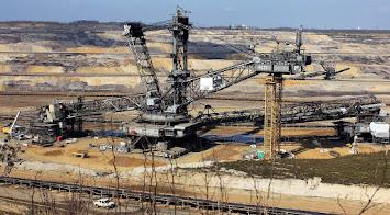 open-pit-mining-1327116_1280.jpg