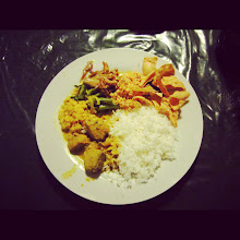 Photo: Fish curry: My first attempt at eating with my hands was successful!