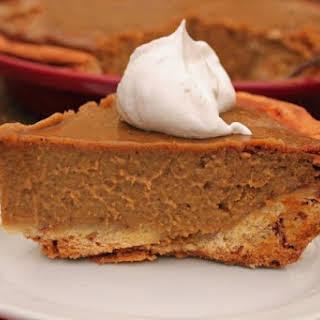 Spiced Pumpkin Pie with Cinnamon Roll Crust #SundaySupper #BakeForACure.