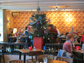 Photo: Sfeervolle kerstinrichting bij Café Cirkus