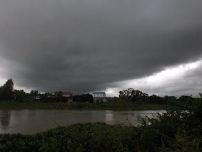 Photo: Aufziehendes Gewitter in Svay Rieng