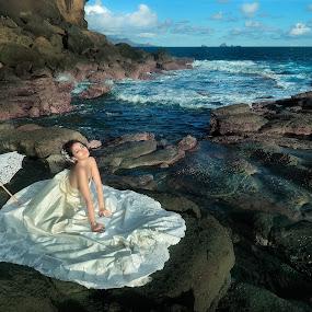 Dream Lagoon by Bob Shahrul - People Fashion