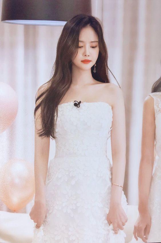 naeun gown 4