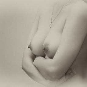 alone by Doeh Namaku - Nudes & Boudoir Boudoir