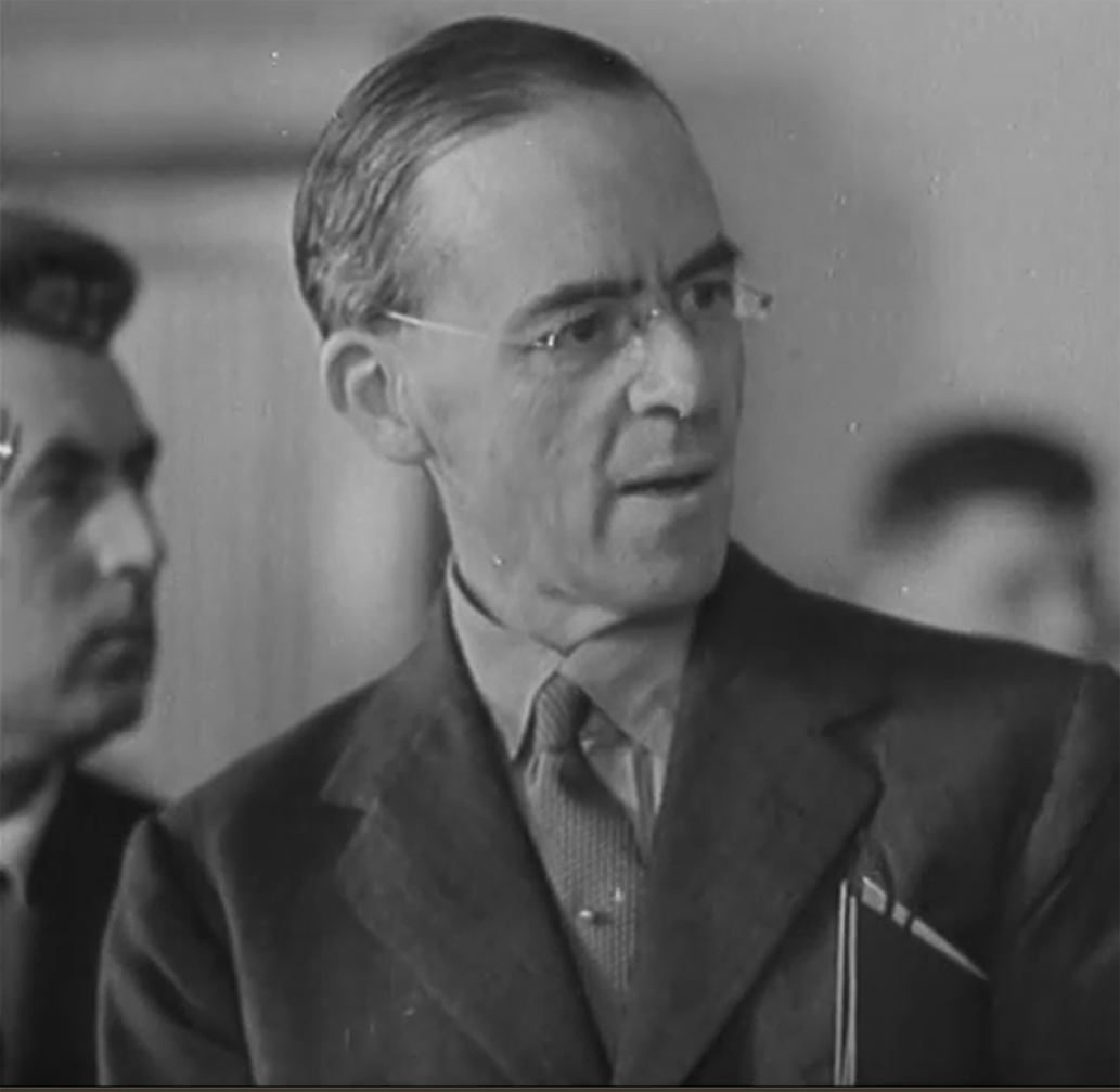 Hình 4 - Cripps in Moscow 1941, 57 sec of Signing Anglo-Soviet agreement -cropped.jpg