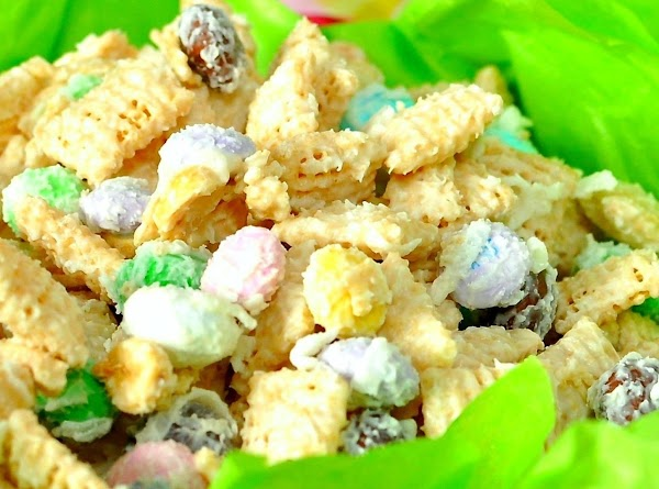 Coconut Easter Munch Mix Recipe