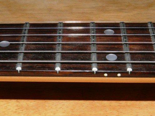 mat-phim-dan-guitar-bang-go-thich-va-go-cam-lai 2