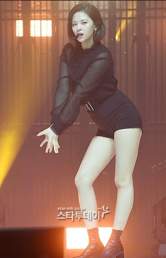 jeongyeon legs 22
