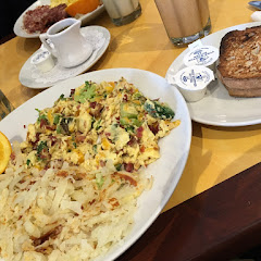 Scrambler with Udi's toast