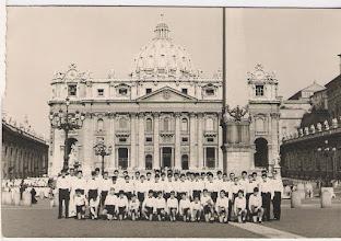 Photo: Julio de 1967. La Escolanía en Roma.