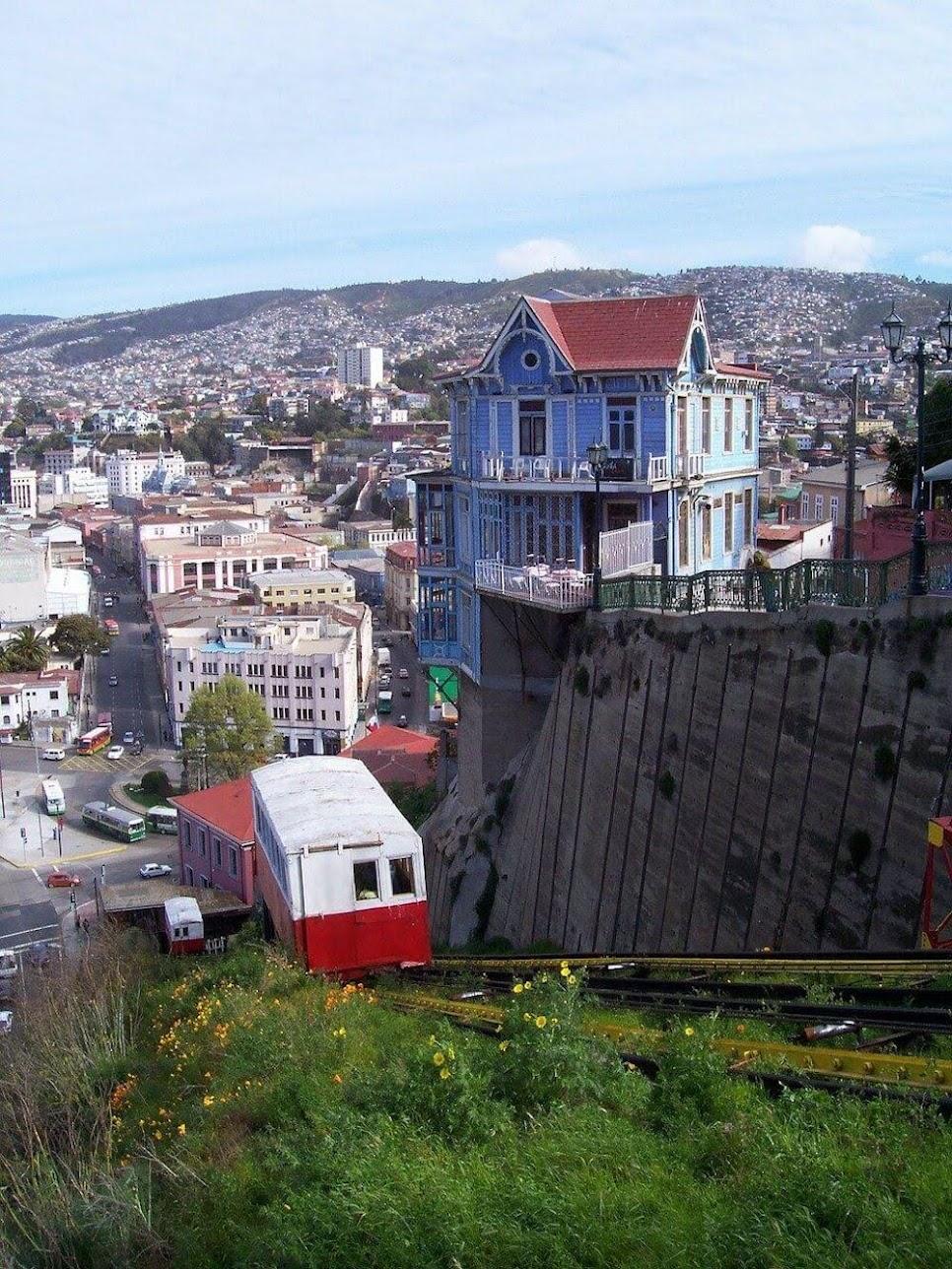 funicular-valparaiso-chile-261272-.jpg