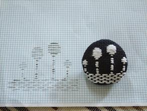 Photo: 2mm方眼用紙を作ったので、つくしの図案を考えてみた。