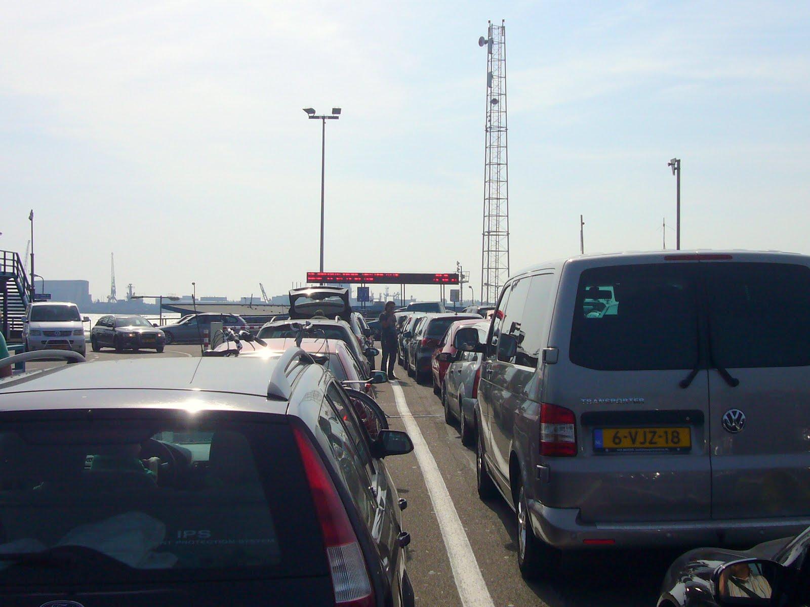 Photo: Nog ff wachten tot we de boot op mogen :-)