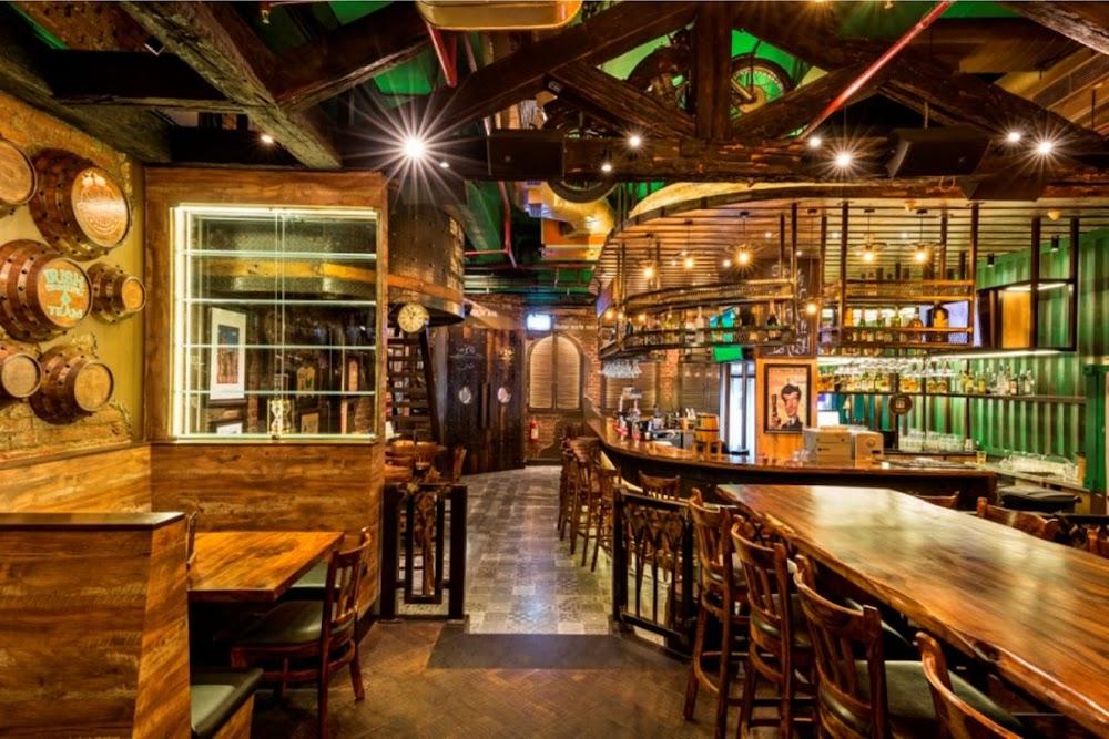 top-sports-bars-delhi-The_Irish_House