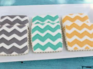 How to: Prepare & Color Royal Icing for Decorating