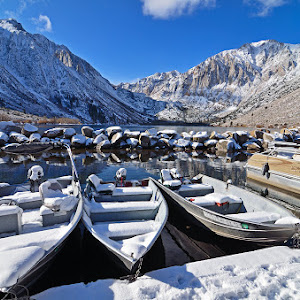 Convict lake boat dock mammoth.jpg