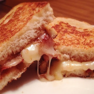 Grilled Cheese Sandwich with Apple Butter, Bacon and Brie