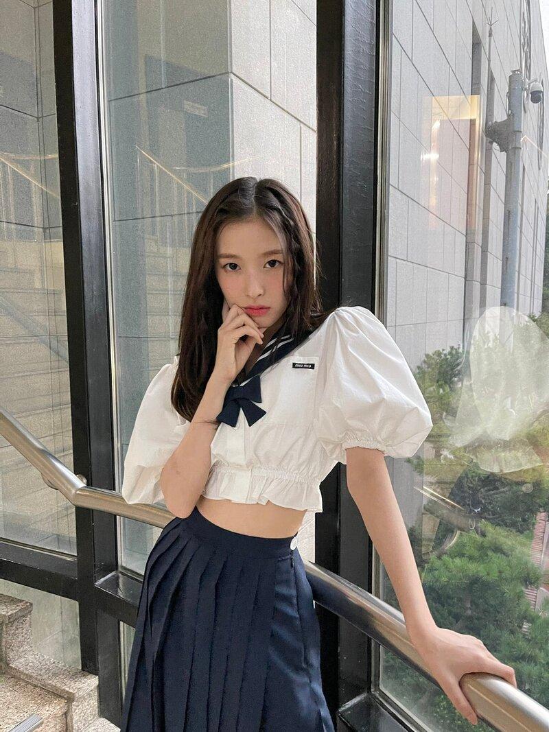 jenniearinwonyoung_4