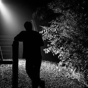 Alone In The Garden-3284.jpg