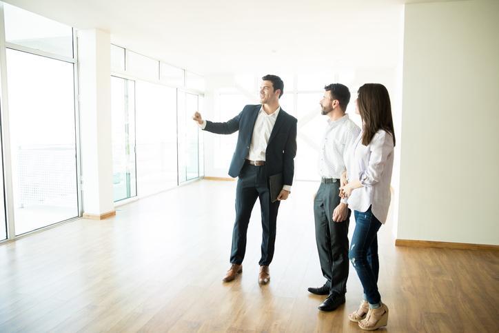 Real Estate Associate Job Description Sample Template - ZipRecruiter