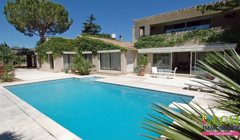 Maison avec piscine et terrasse Cournonsec