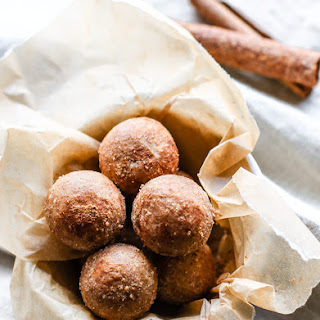 Cinnamon Vanilla Breakfast Protein Bites {No Bake, Gluten Free, Vegan Friendly}.