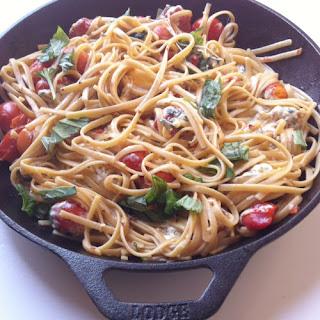 Caprese Pasta Skillet {Vegetarian}.
