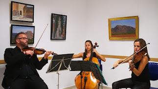La inauguración estuvo amenizada con música clásica.