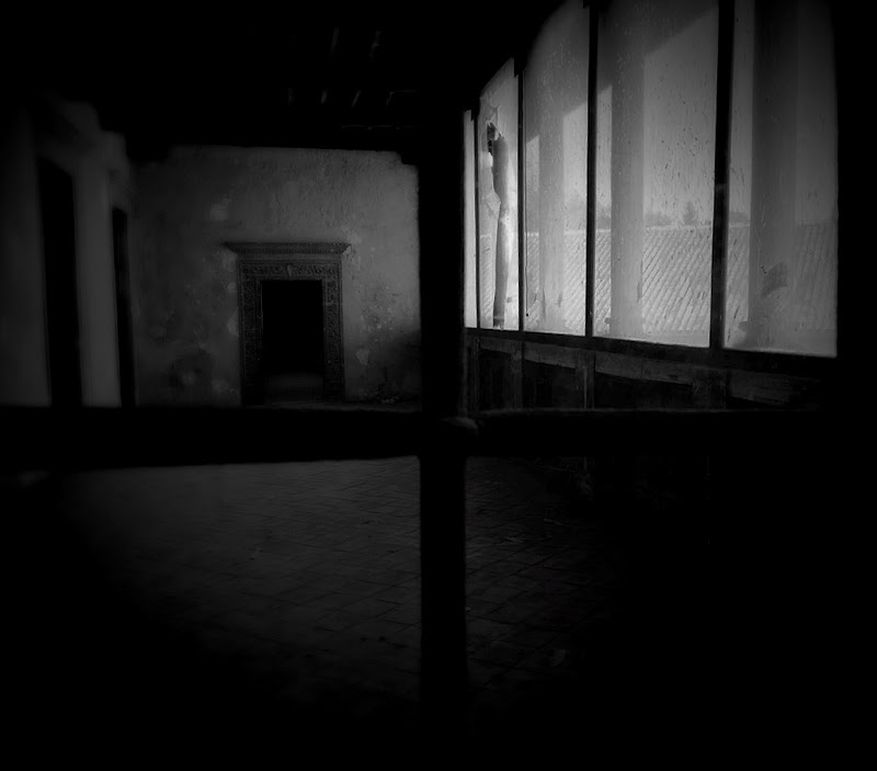Darkness di photography_blogbw