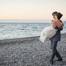 Wedding photographer Zhenya Zhulanova (Zhulanova). Photo of 30.11.2013