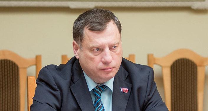 Юрий Швыткин - заместитель председателя комитета ГД по обороне