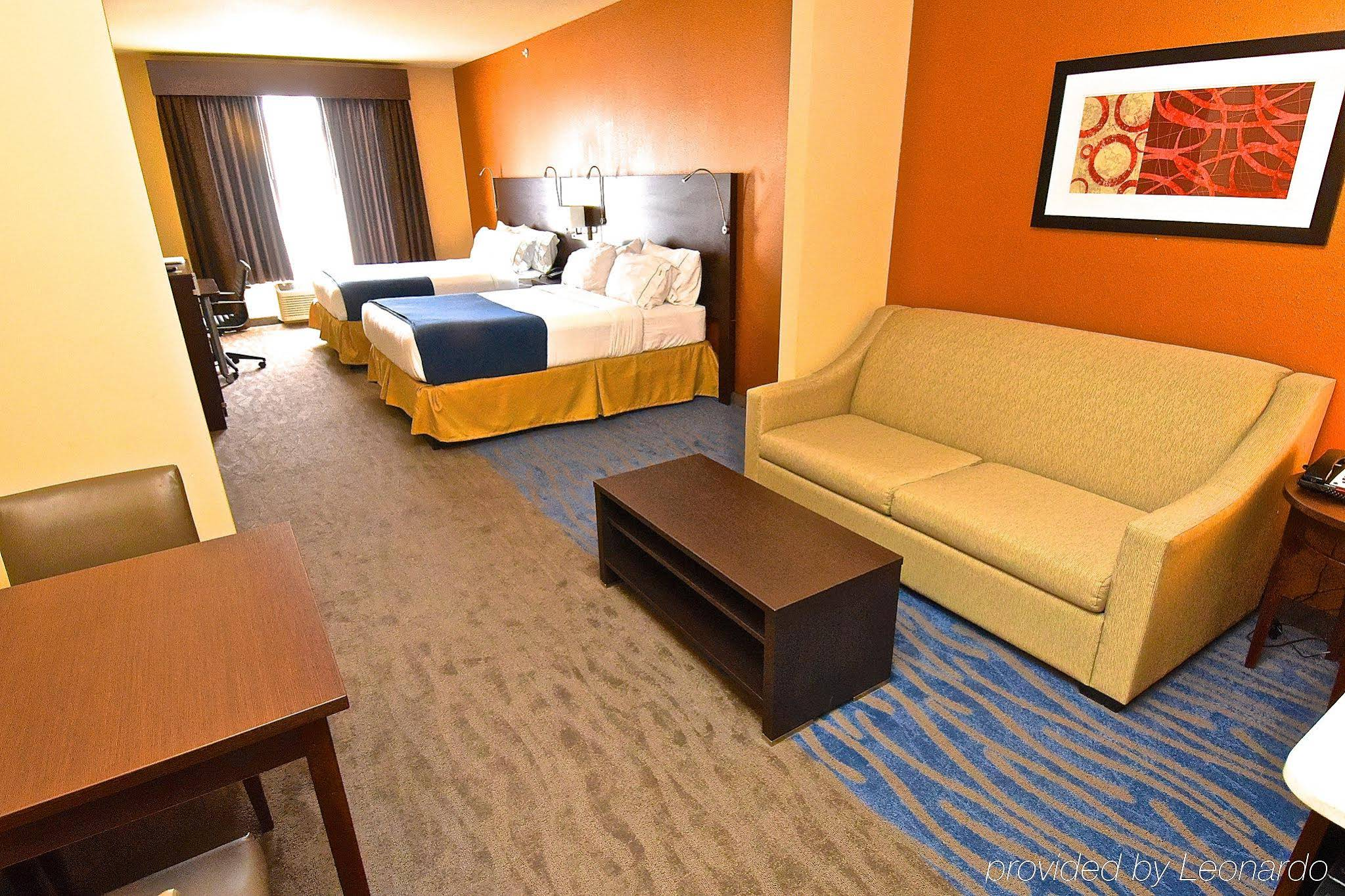 Holiday Inn Express and Suites St. Louis NW-Hazelwood