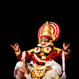 The faces of Chronicler-5 by Vijayanand Kandasamy - People Musicians & Entertainers ( music, dance form, face, faces, tradition, kathakali dance, traditional dance, dance, face painting, kathakali, colours,  )