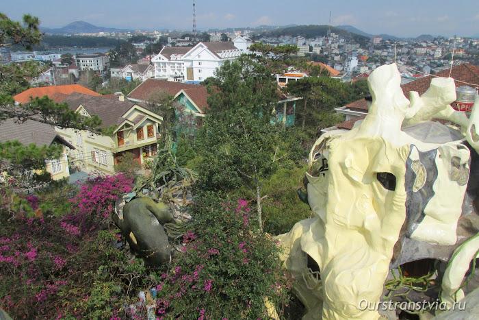 Сумасшедший дом в Далате, Вьетнам