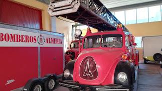 El Club de Vehículos Antiguos restaurará los camiones de bomberos.